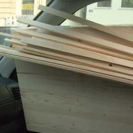 Erst mal das Holz besorgen - am besten Fichte oder Weymouthkiefer