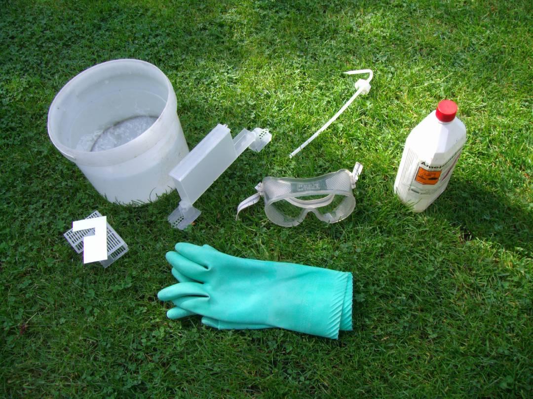Sommerbehandlung gegen die Varroamilbe mit Ameisensäure